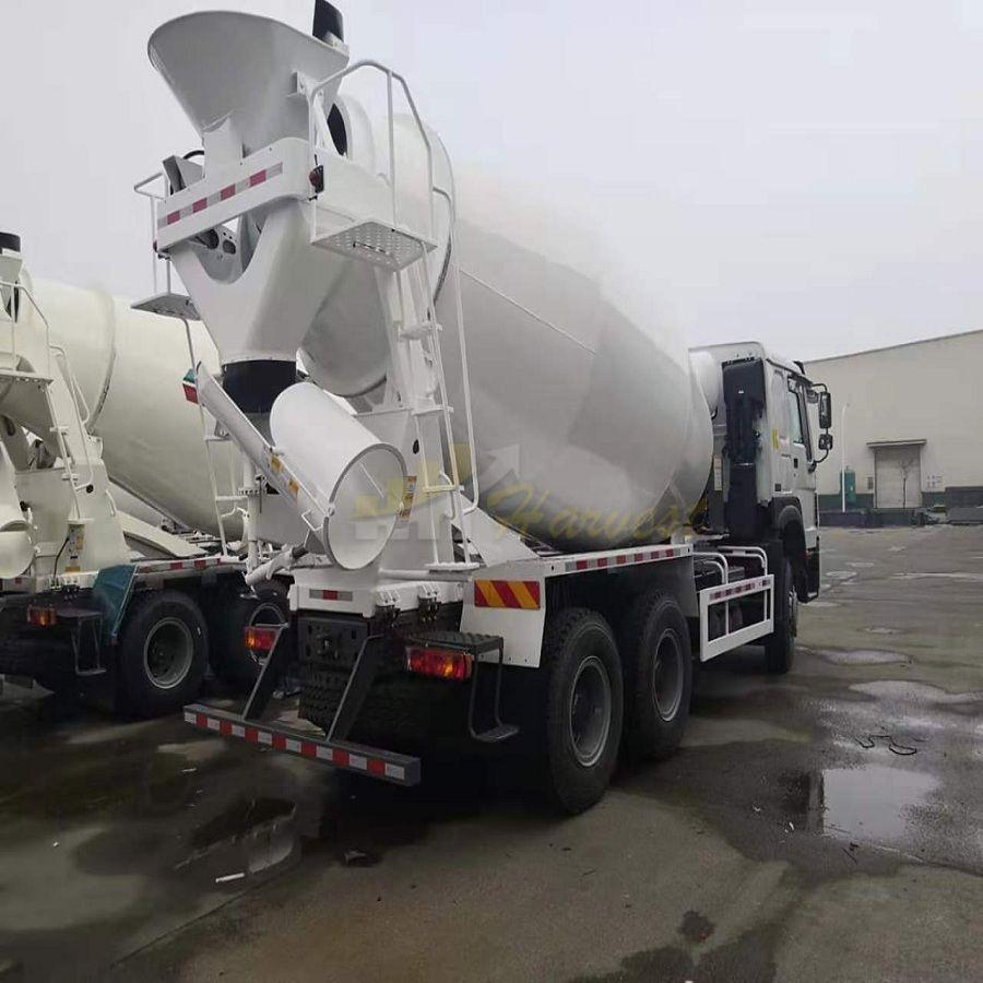 6X4 371HP 10m3 Sinotruk Howo Concrete Cement Mixer Truck