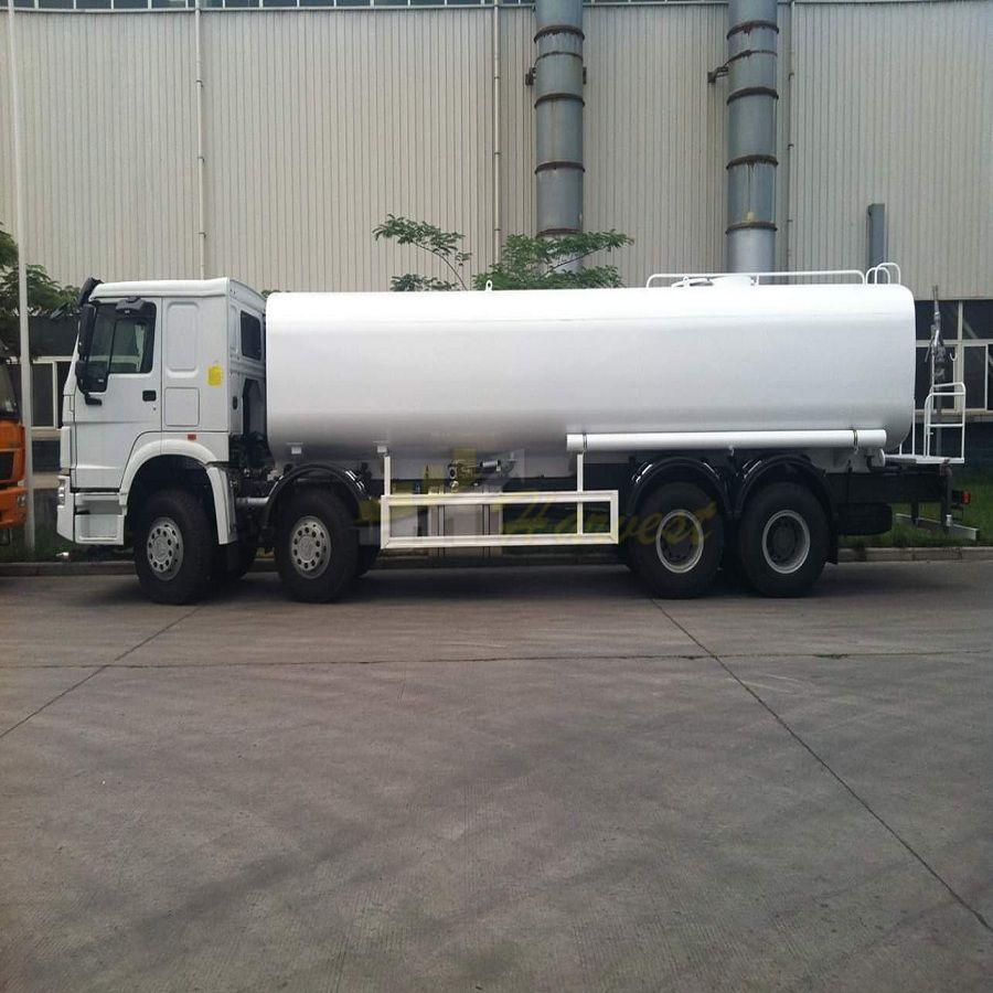 Sinotruk Howo 8x4 30,000 Liters Fuel Tank Truck
