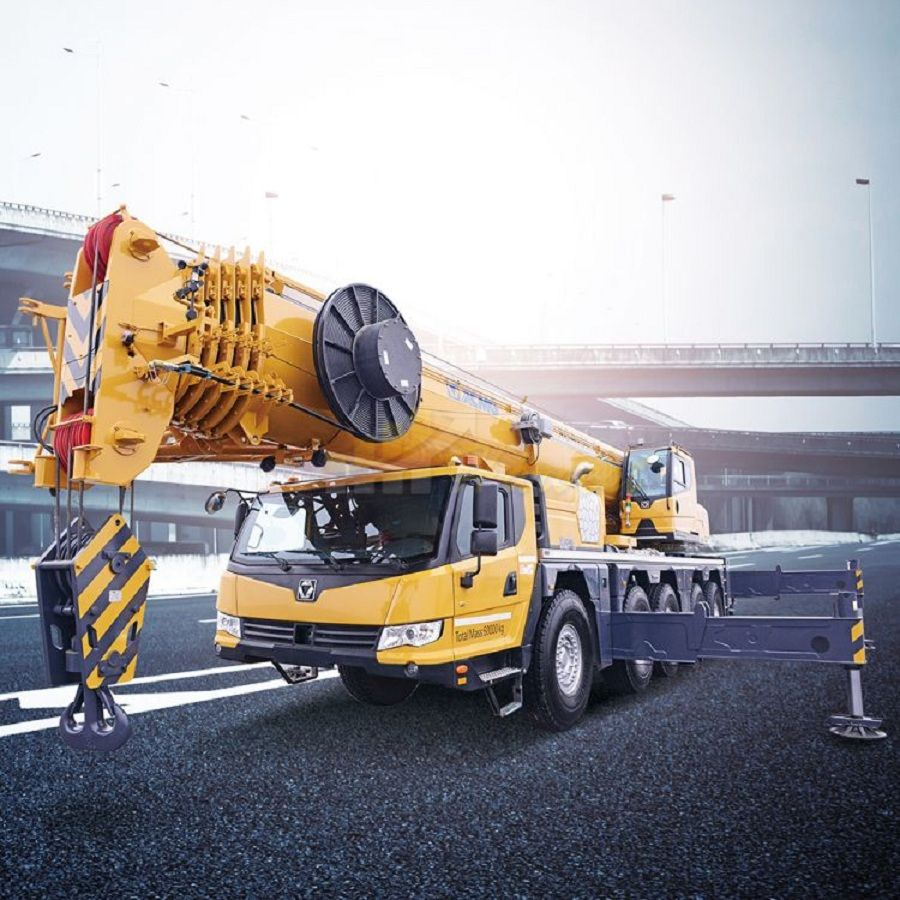 130 Ton All Terrain Crane