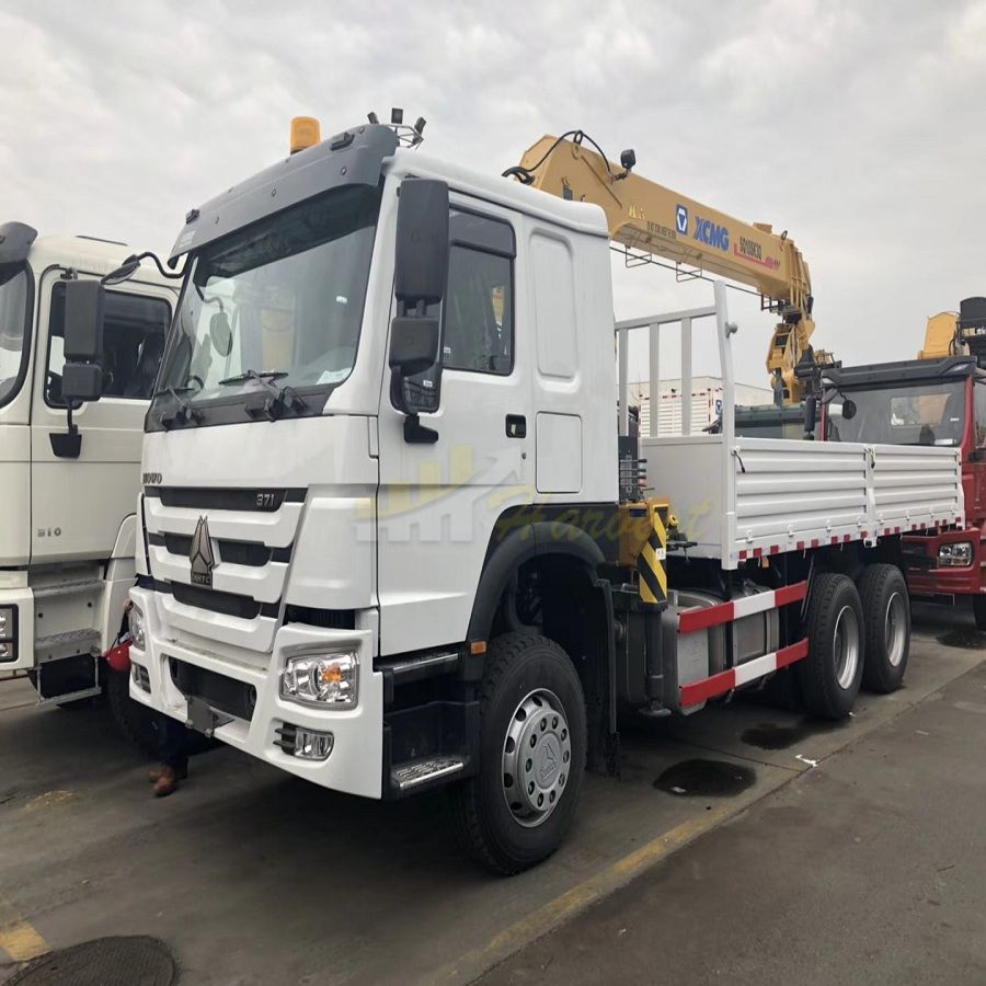 HOWO 371hp Truck with XCMG 10T Telescopic Crane