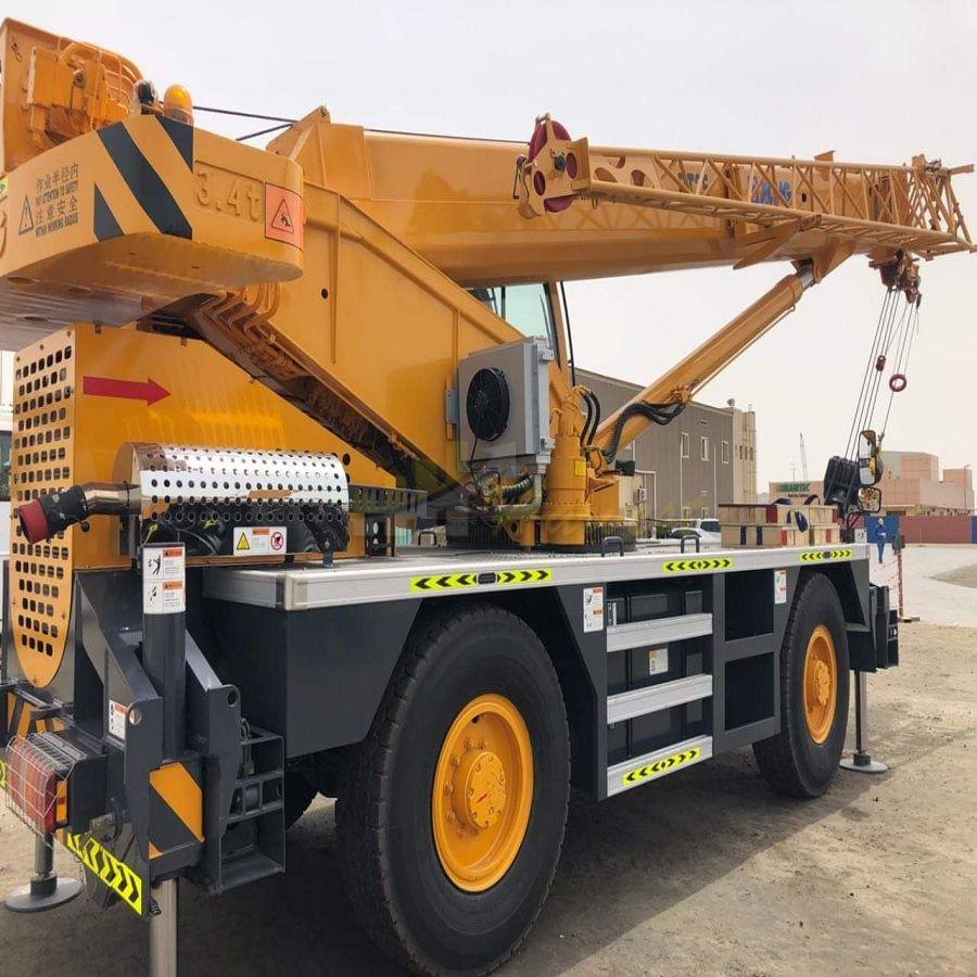 25 Ton  Rough Terrain Crane