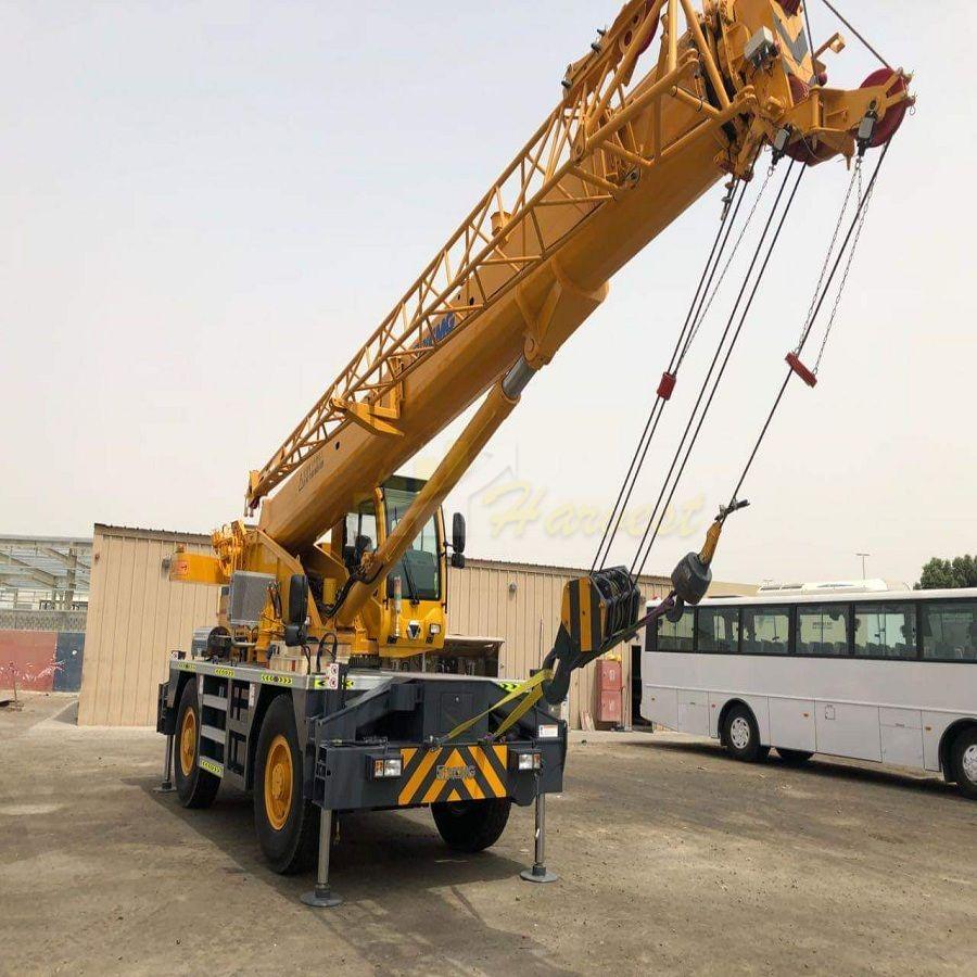 China  Rough Terrain Crane