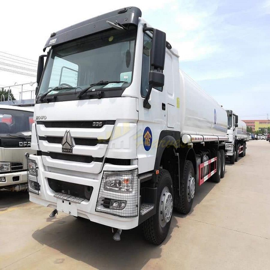 HOWO 8X4 371hp 30,000L Water Tanker