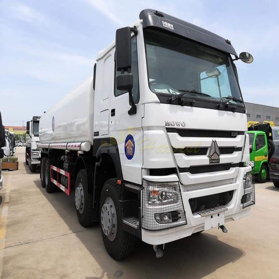 HOWO 8X4 30000L Heavy Sprinkler Water Tank Truck Water Bowser