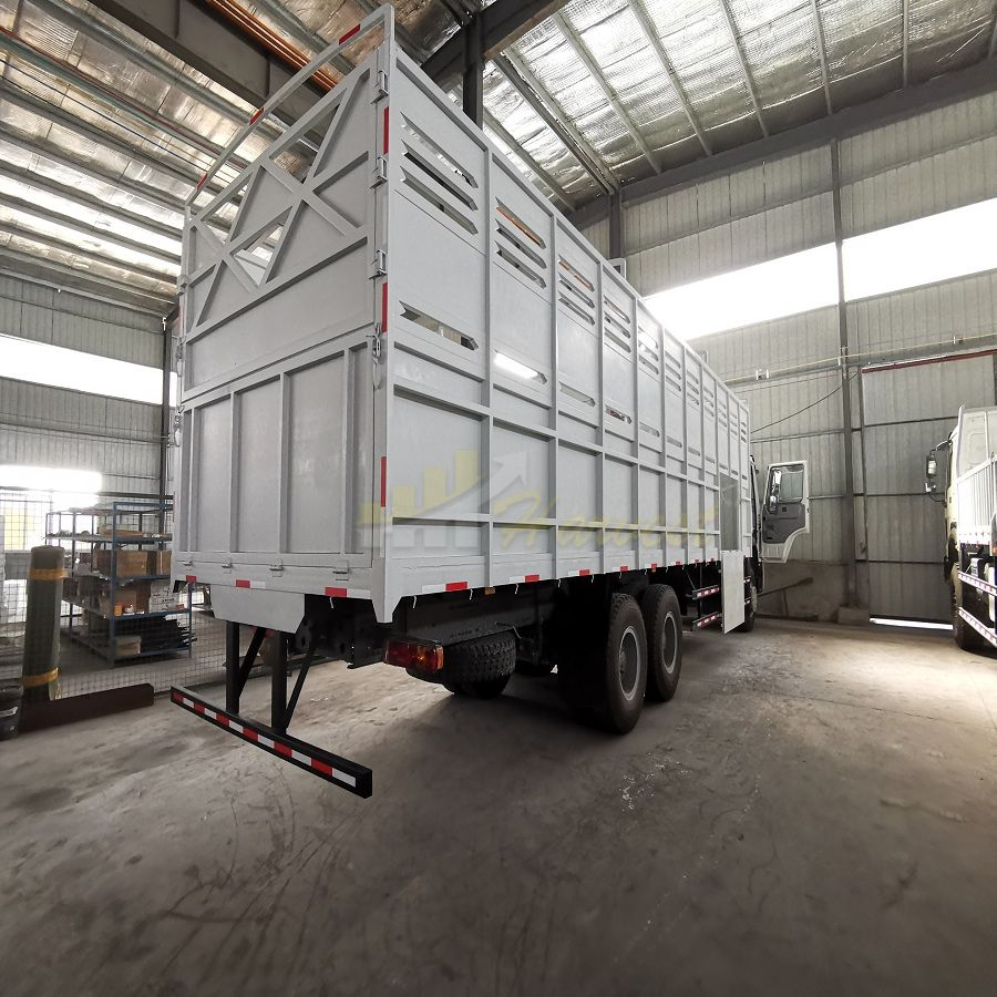 HOWO 6x4 371hp Cargo Truck with 9.75m Box