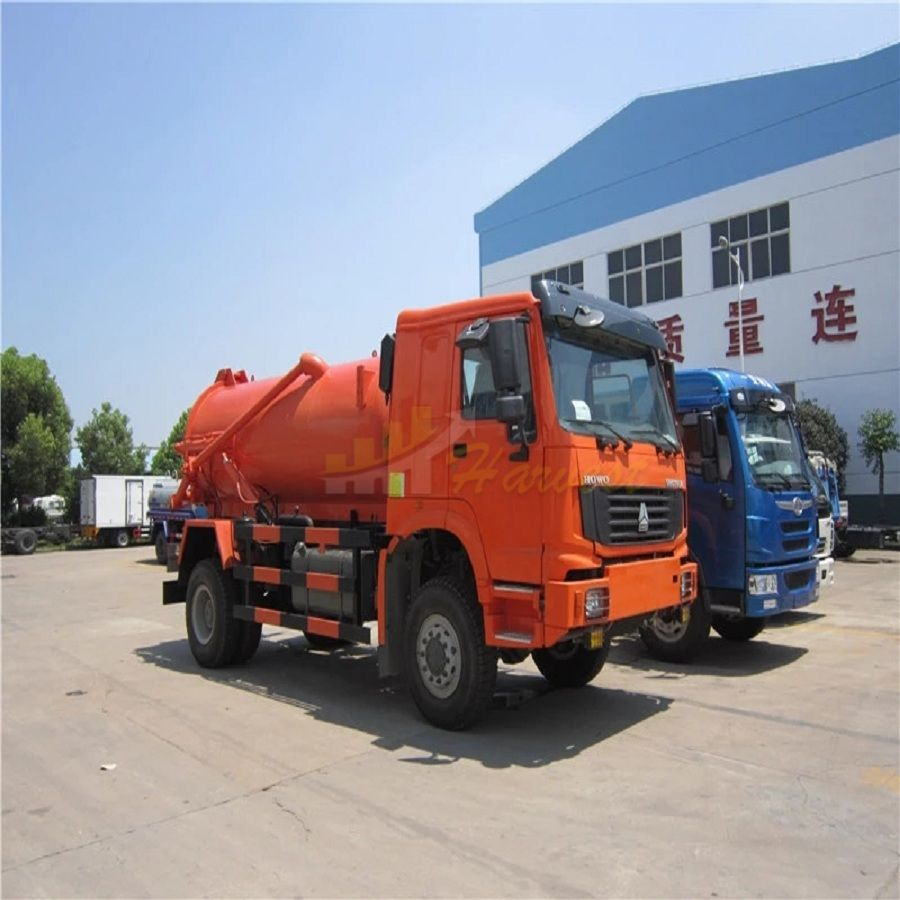 4x2 HOWO 12000 Liters Vacuum Sewage Suction Truck