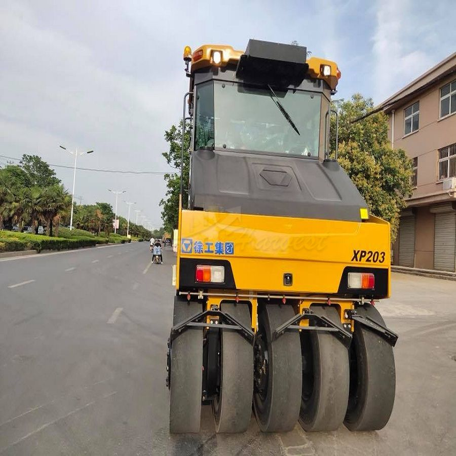 20t XP203 Pneumatic Vibratory Compactor Tyre Road Roller